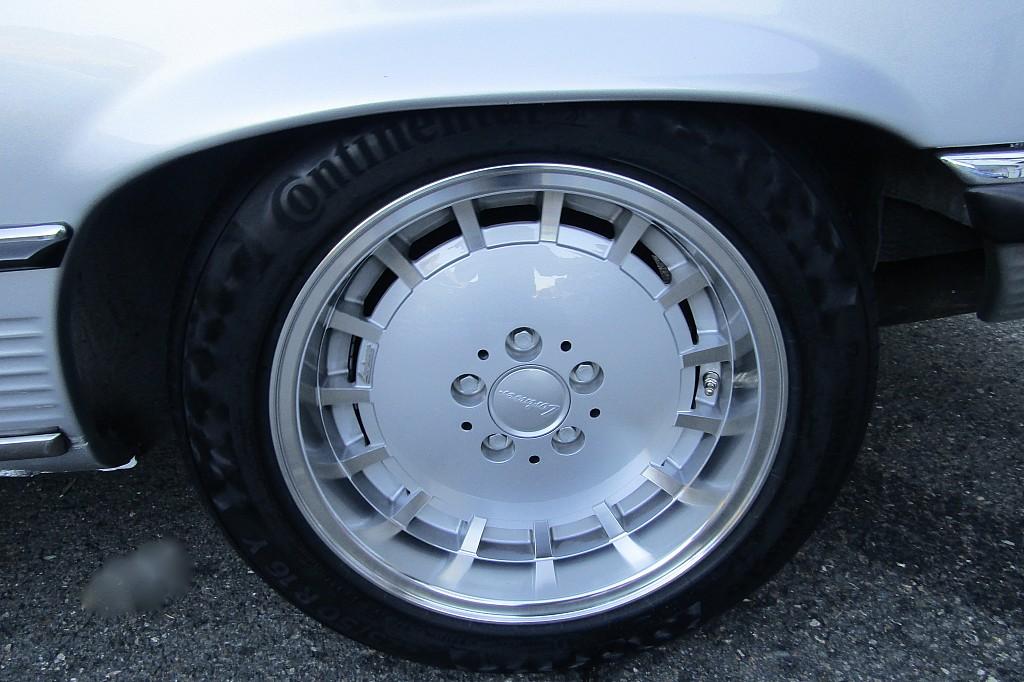 53775_1406482916703_slide bei BM    Sport Classic Cars in