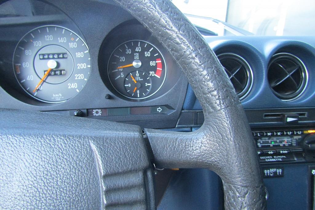 53775_1406482916745_slide bei BM    Sport Classic Cars in