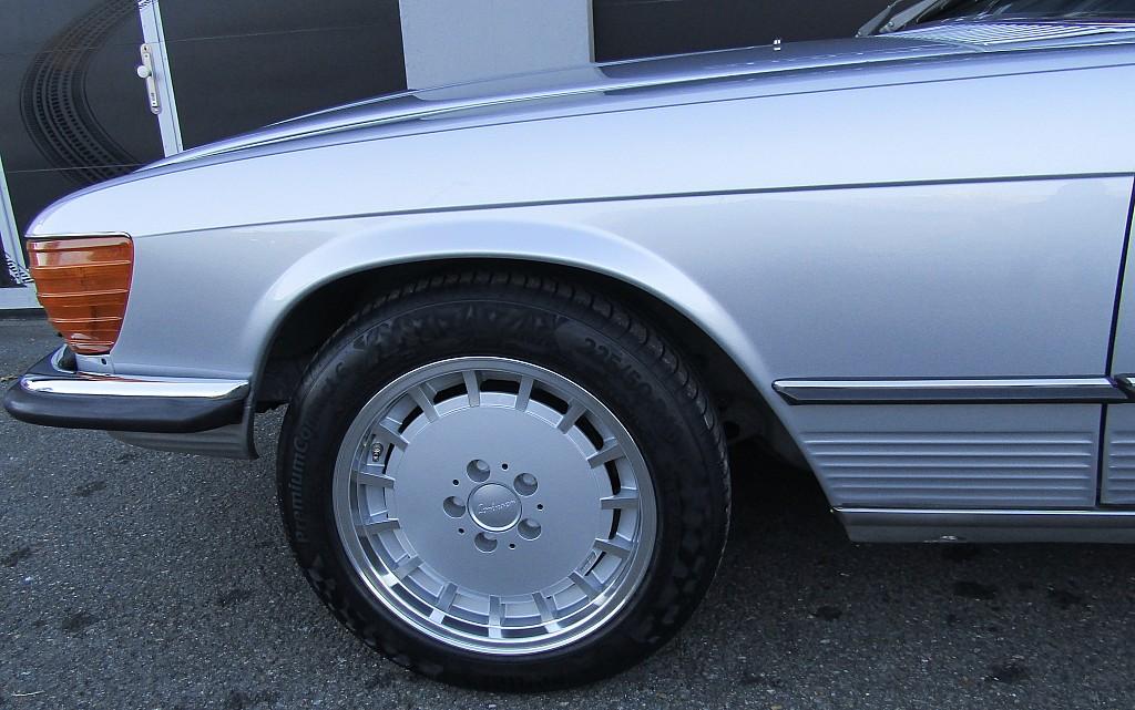 53775_1406482916759_slide bei BM    Sport Classic Cars in